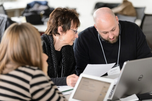 Wisconsin middle school science teachers Jeanine Gelhaus and Matt Regan brainstorm ideas.