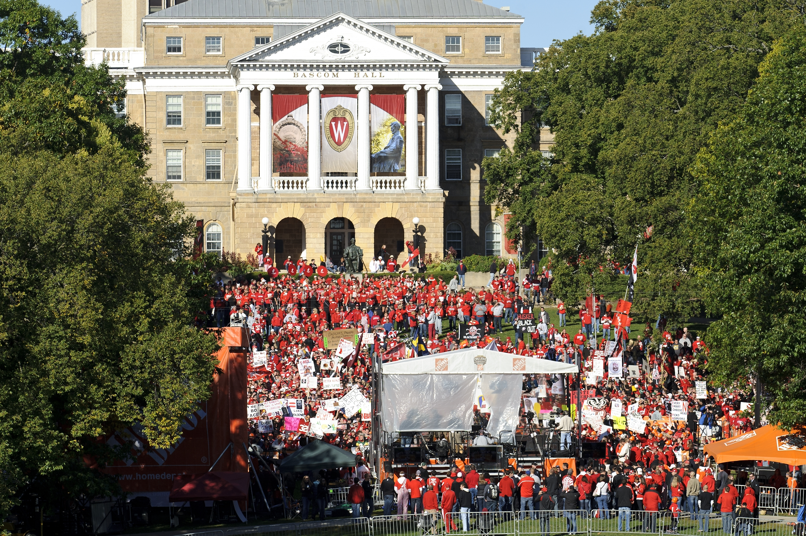 Badger and Nebraska Cornhusker fans come together on Bascom Hill for a 2011 broadcast of the ESPN show College GameDay. The show returns to campus Oct. 15.