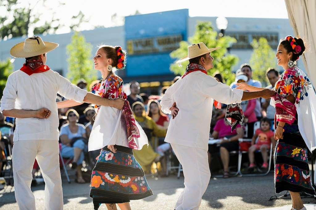 Photo: Mexican dance troupe