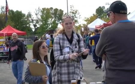 Photo: UniverCity students at Monona Farmers Market
