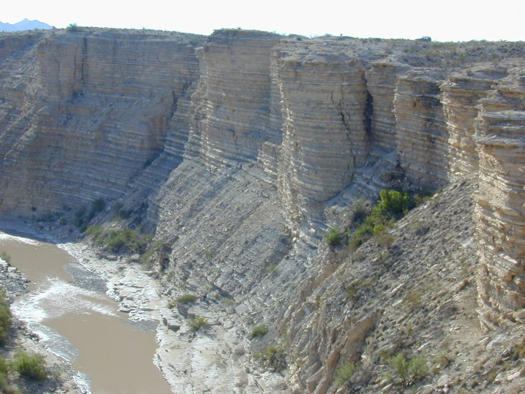 Photo: Layers of sedimentary rock near Big Bend, Texas