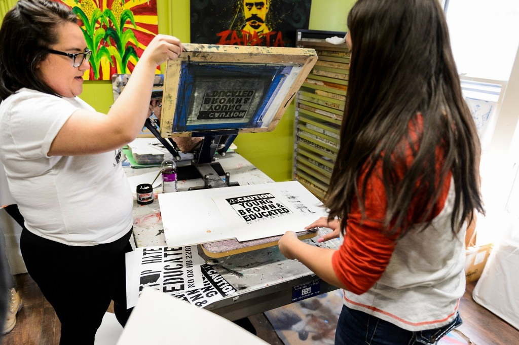 Photo: Screen printing demonstration