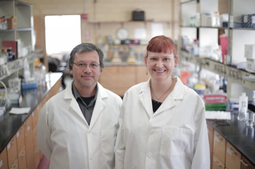Photo: Daniel Noguera and Katherine McMahon in lab