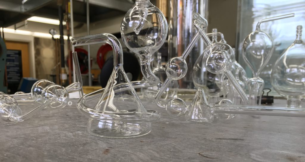 Photo: Glass kaliapparats on table
