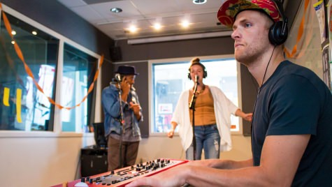 Rico Sisney (left), Maggie Vagle (middle) and Charlie Coffeen (right), members of the Chicago-based band Sidewalk Chalk, play for Live@WSUM on Aug. 4, 2017.