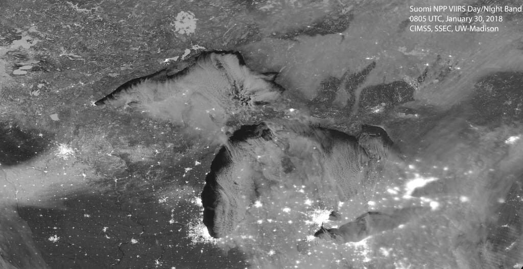 Photo: Satellite image of U.S. Great Lakes region