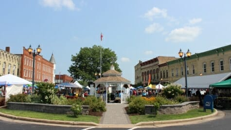 Photo: Gazebo with buildings on both sides