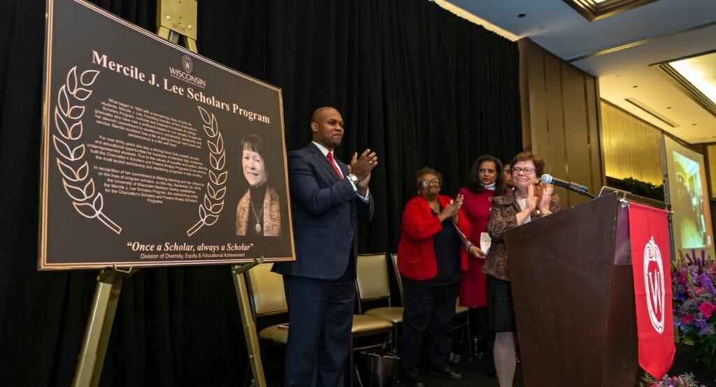 Photo: Dignitaries unveiling plaque