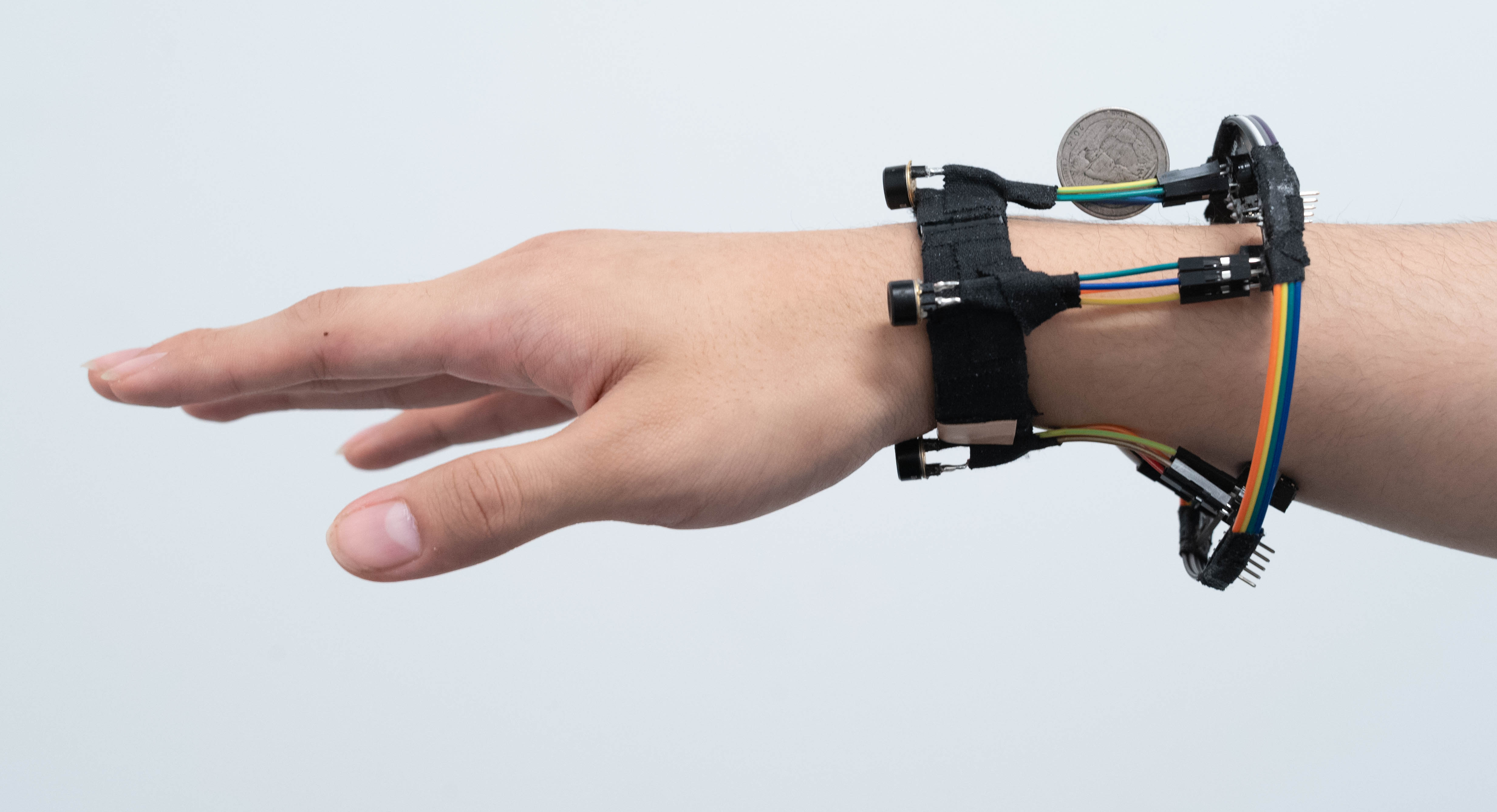 3D-sensing wristband opens possibilities for sign language translation, virtual reality