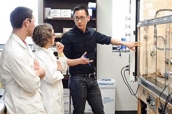 Photo: Tehshik Yoon and students in lab