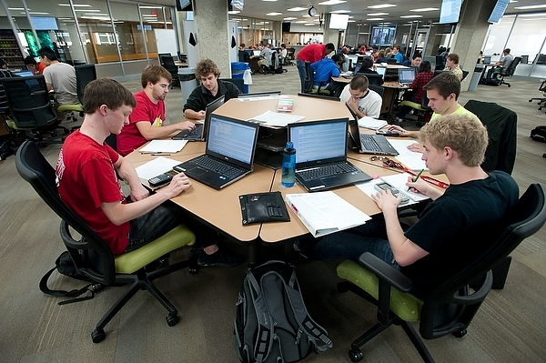 Photo: Students in Wendt Commons Library