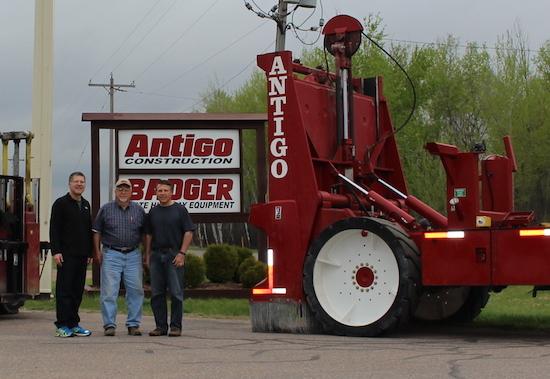 Photo: Antigo equipment officials