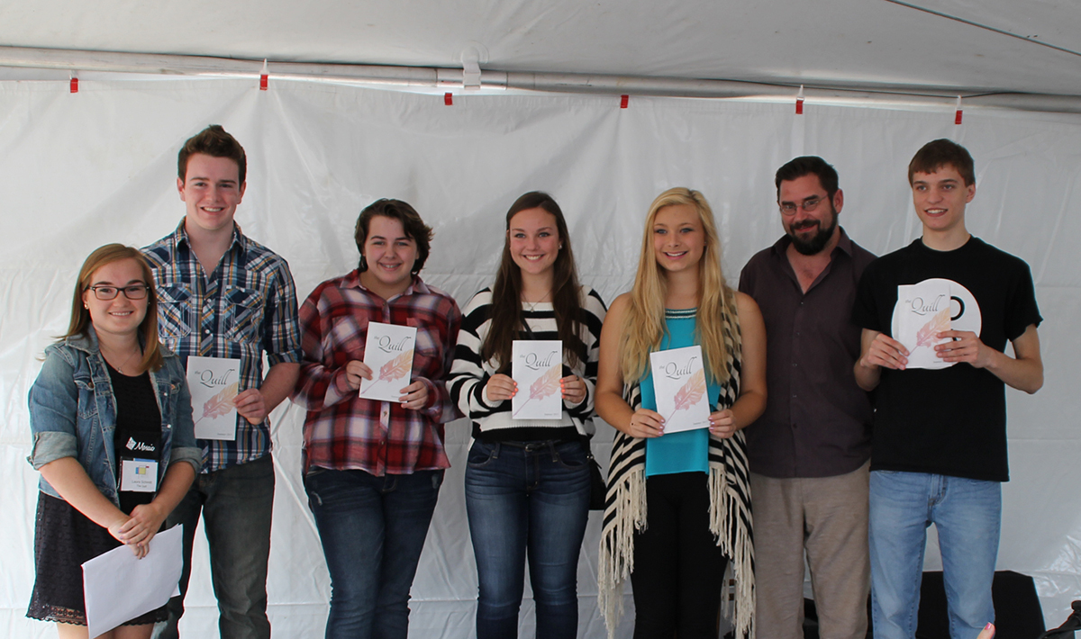 Photo: Laura Schmitt and student writers