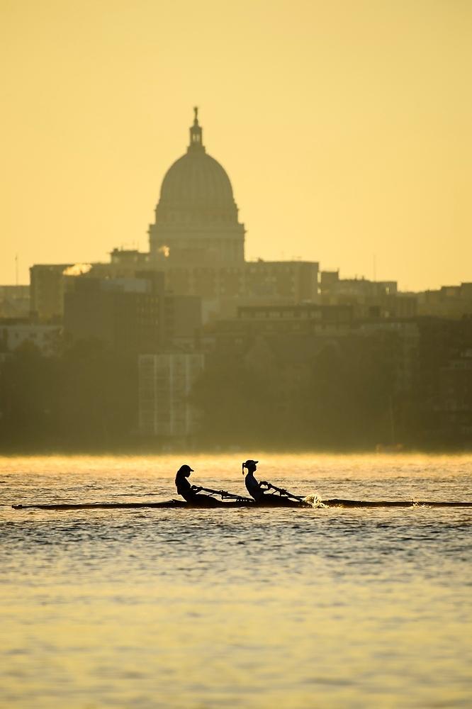 Photo: Crew passing Capitol