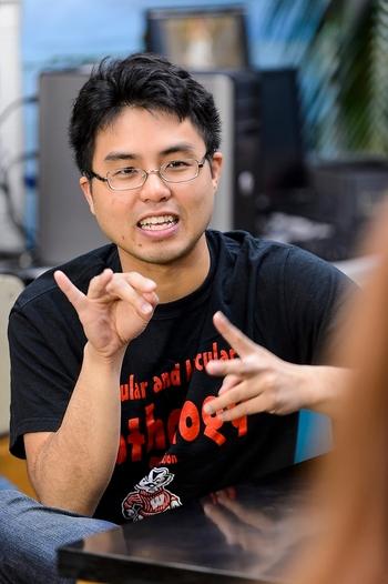 Phu Duong signing