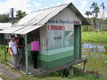 Photo of a small shed in Brazil which functions as a health clinic.
