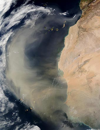 Image of a dust storm off West Africa