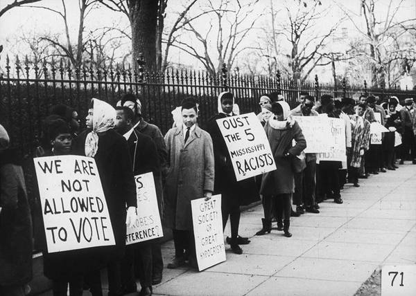 Photo: African-Americans with voting rights signs