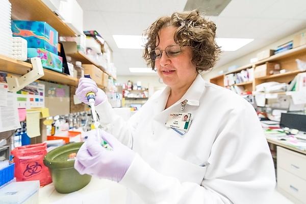 Lynn Haynes in the lab
