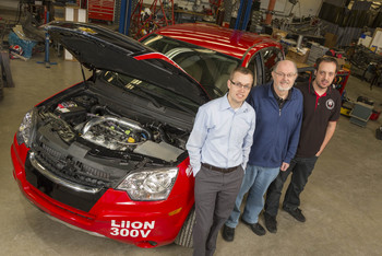 Photo: Reitz and team with 2009 Saturn