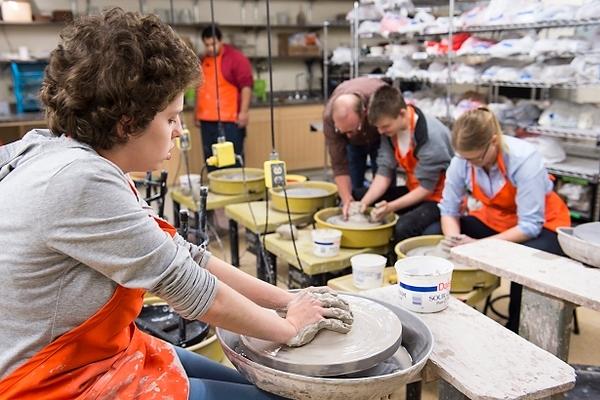 Photo: Sculpting in LOV-Dane in pottery course