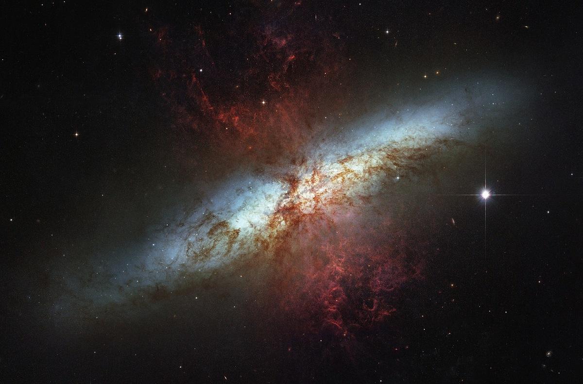 Photo: Messier 82 starburst galaxy
